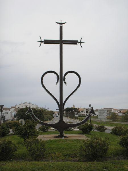 - Entre la Méditerranée et les Rhônes : une île, la Camargue... voir rubrique